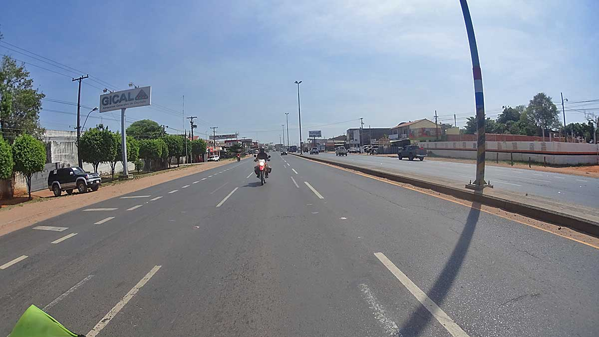 42 Ruhiger Verkehr ueberall in Paraguay